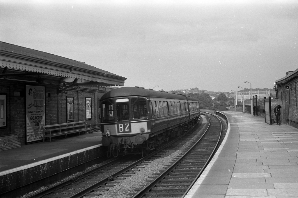 Class 103 dmu at Worcester Foregate Street