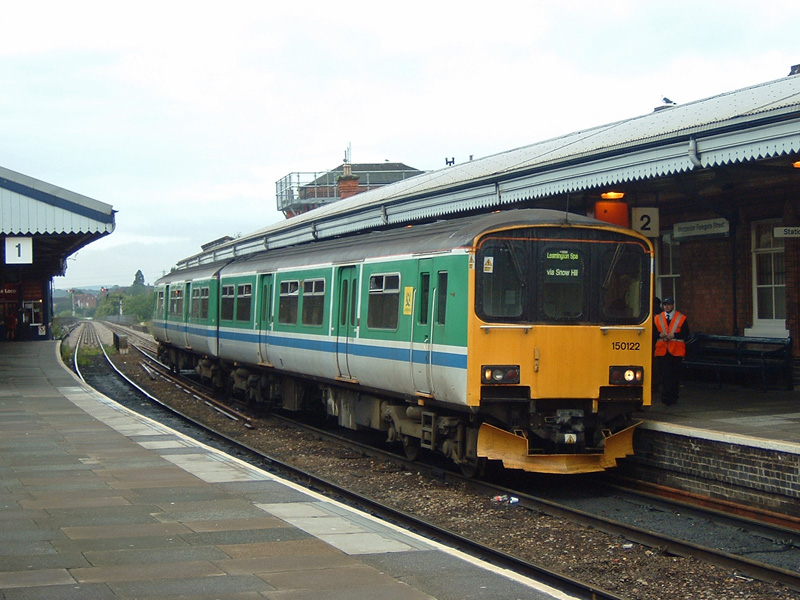 DMU No.150122 at Worcester Foregate Street