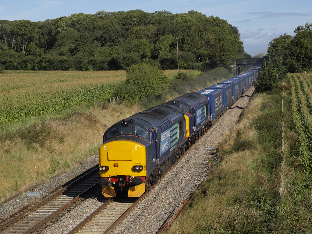 DRS class 37s on 4V38