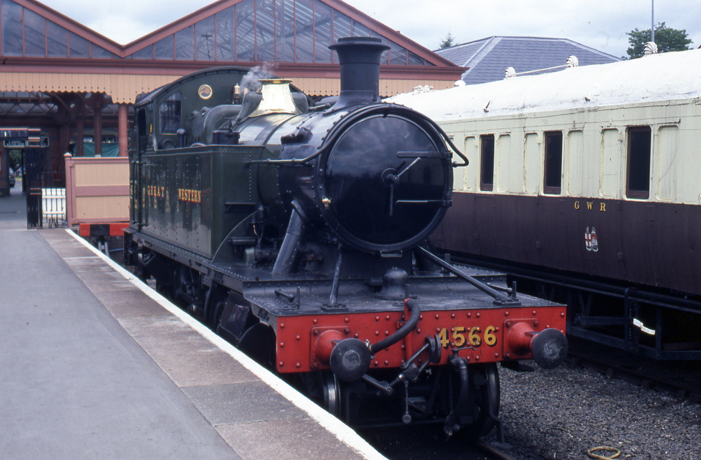 No.4566 at Kidderminster