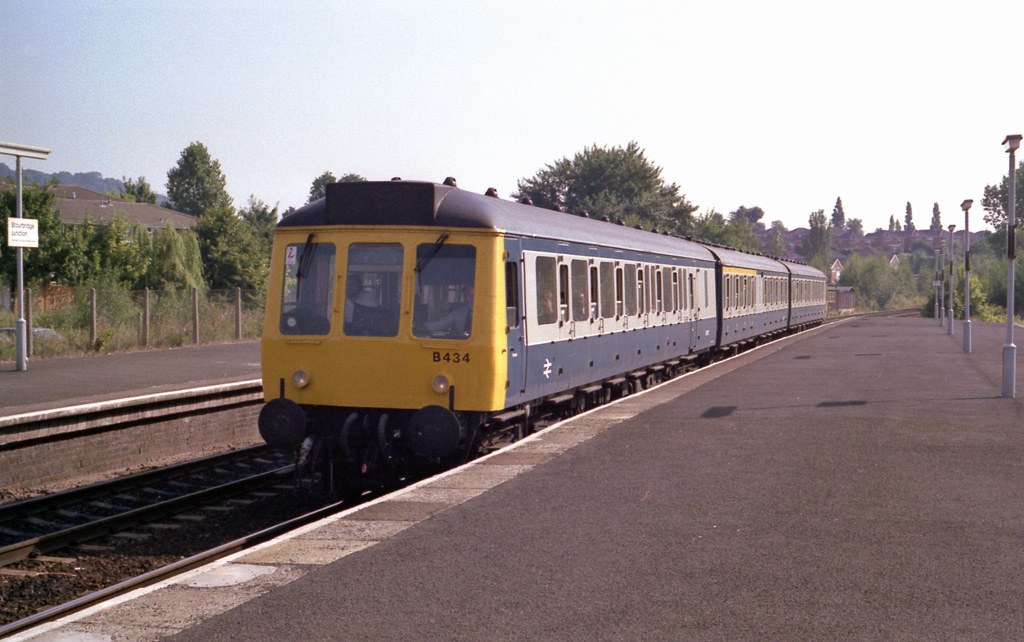 Class 117 set B434 at Stourbridge
