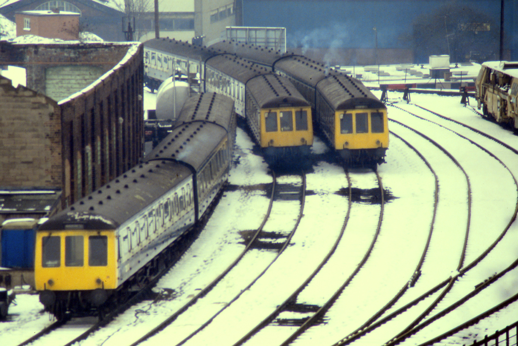 DMU's on shed in the snow