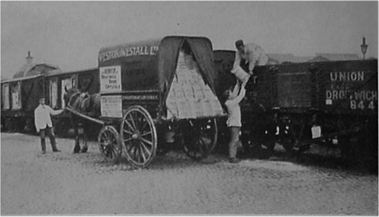 Salt Union Wagon being loaded